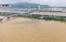 Lũ lụt nghiêm trọng ở Trung Quốc, hơn 38.000 ngôi nhà bị đổ sập