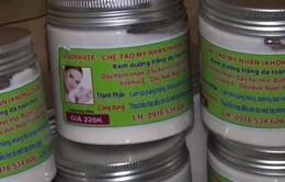 Bắt quả tang cơ sở sản xuất mỹ phẩm không phép ở Nghệ An