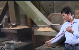 Người nông dân trẻ chế tạo máy sản xuất chất đốt bảo vệ môi trường
