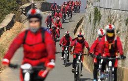 Đạp xe gần 3.000 km kêu gọi chống nạn buôn người