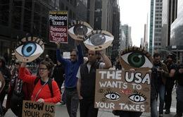 Hàng nghìn người biểu tình yêu cầu Tổng thống Mỹ công khai thuế