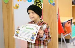 Bé trai 6 tuổi bị ung thư ở Mỹ nhận bằng tốt nghiệp cấp 3