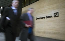 Deutsche Bank cắt giảm tiền thưởng của 25% nhân viên