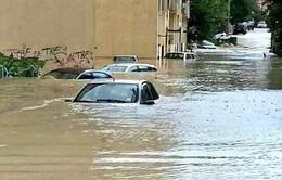 Mưa lớn gây ngập lụt tại Italy