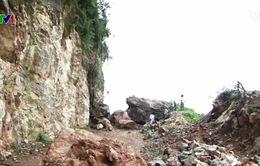 Nhiều bản làng ở Nghệ An bị cô lập