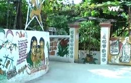 Sống lại ký ức xưa với ngõ bích họa ở Hà Nội