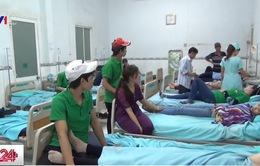 Bình Dương: Hàng trăm công nhân nhập viện sau bữa ăn tại công ty