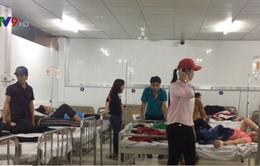 Bình Dương: Hàng trăm công nhân nhập viện nghi do ngộ độc thực phẩm