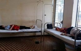 Tạm đình chỉ cơ sở bánh mỳ nghi gây ngộ độc ở Đăk Lăk