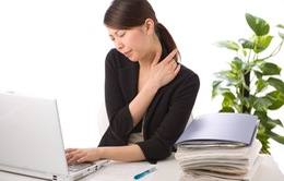 Những thói quen thường ngày gây đau lưng và tổn thương cột sống