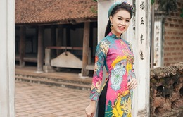 """""""Cô gái vàng"""" của Hoa hậu Việt Nam duyên dáng khoe sắc ở Đường Lâm"""