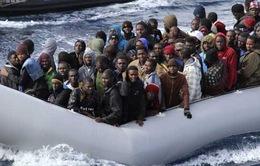 Italy đưa 730 người nhập cư được cứu đến đảo Sicily