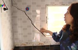 Hà Nội: Nhiều hộ dân lo âu vì nhà bị nứt
