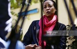 Người phụ nữ đánh đổi tự do để theo nghiệp báo chí