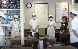 Các nhà hàng Nhật Bản phụ thuộc vào lao động nước ngoài
