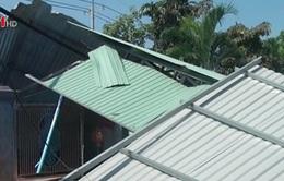 Lốc xoáy ở Bình Phước, 12 ngôi nhà sập và tốc mái