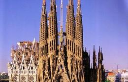 Cảnh sát Tây Ban Nha phong tỏa nhà thờ Sagrada Familia