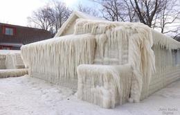 Ngôi nhà ở New York bị đóng băng hoàn toàn
