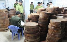 Bắt giữ vụ gỗ nghiến được sơ chế dạng thớt lớn nhất từ trước đến nay