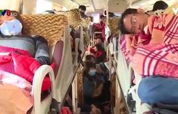 Quảng Bình: Phát hiện nhiều xe khách chở quá số người quy định