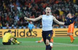 Sao Barca rời sân khiến fan Juventus đứng lên vỗ tay rào rào