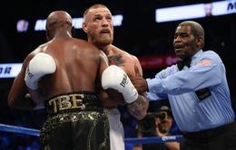 Thua Mayweather, McGregor bị cấm thi đấu 2 tháng