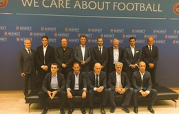 Mourinho, Sir Alex, Louis van Gaal bất ngờ tái ngộ trong sự kiện của UEFA