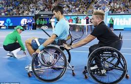 Novak Djokovic trải nghiệm cảm giác của các VĐV paralympic trước thềm Australian Open