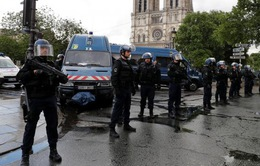 Hung thủ tấn công bên ngoài Nhà thờ Đức Bà Paris hành động đơn độc