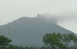 Indonesia sơ tán hàng nghìn người dân sống gần núi lửa Agung