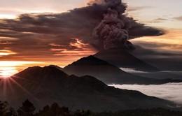 Lo ngại bụi núi lửa, Indonesia tiếp tục đóng cửa sân bay Bali
