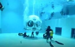 Khám phá nhà hàng lặn biển tại Brussels (Bỉ)