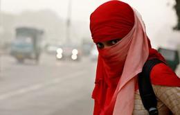 """Không khí tại New Delhi (Ấn Độ) ô nhiễm tương đương """"phòng khí độc"""""""