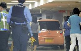 Ô tô lao vào bệnh viện ở Nhật Bản, 13 người bị thương