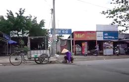 Việc tử tế: Đôi chân khuyết đi vá đường