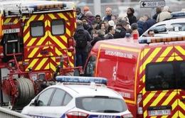 Pháp: 1 người bị bắn chết sau khi cướp súng của nhân viên an ninh sân bay