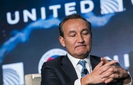 CEO United Airlines xin lỗi trước quốc hội Mỹ vì vụ kéo lê hành khách