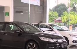 Thị trường ô tô Việt Nam ngưng trệ chờ diễn biến mới