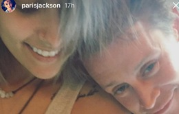 Sao phim Ở nhà một mình xăm hình đôi với con gái Vua nhạc Pop