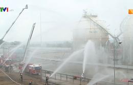 Diễn tập xử lý tình huống cháy, nổ lớn tại Dung Quất