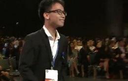 Nhận được visa vào phút chót, nam sinh chế cánh tay robot đạt giải ba tại Mỹ
