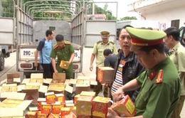 Lạng Sơn: Thu giữ gần 700kg pháo nổ, lái xe bỏ trốn