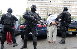 Pháp buộc tội 3 nghi phạm âm mưu khủng bố