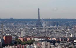 Paris cấm ô tô chạy xăng vào năm 2030