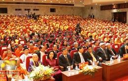 Đông đảo kiều bào tham dự Đại hội Phật giáo toàn quốc lần thứ 8