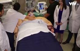 Phẫu thuật giảm cân cho người đàn ông béo phì nhất thế giới