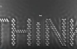 Cậu bé và Nguyên tử - Bộ phim làm từ các nguyên tử