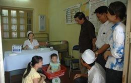 Lần đầu tiên hướng dẫn dinh dưỡng cho trẻ em và phụ nữ cho con bú