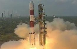 Ấn Độ phóng 104 vệ tinh vào không gian chỉ với 1 tên lửa