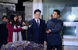 Phó chủ tịch Samsung được thả sau 1 đêm tạm giữ